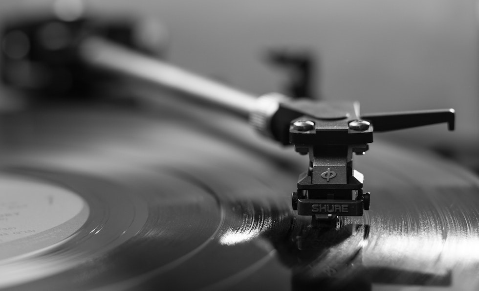 Vinyl Records Surpass CD Sales For the First Time Since the 1980s