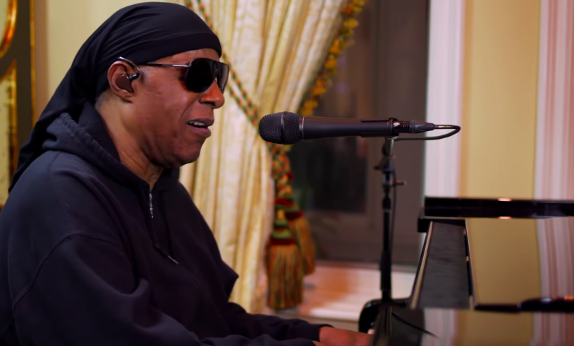 Stevie Wonder plays Bill Withers' 'Lean On Me'