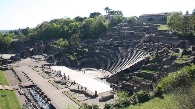 ancient roman theatre lyon source wikimedia commons
