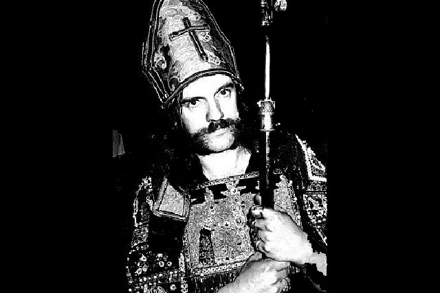 10. Lemmy Dresses As The Pope