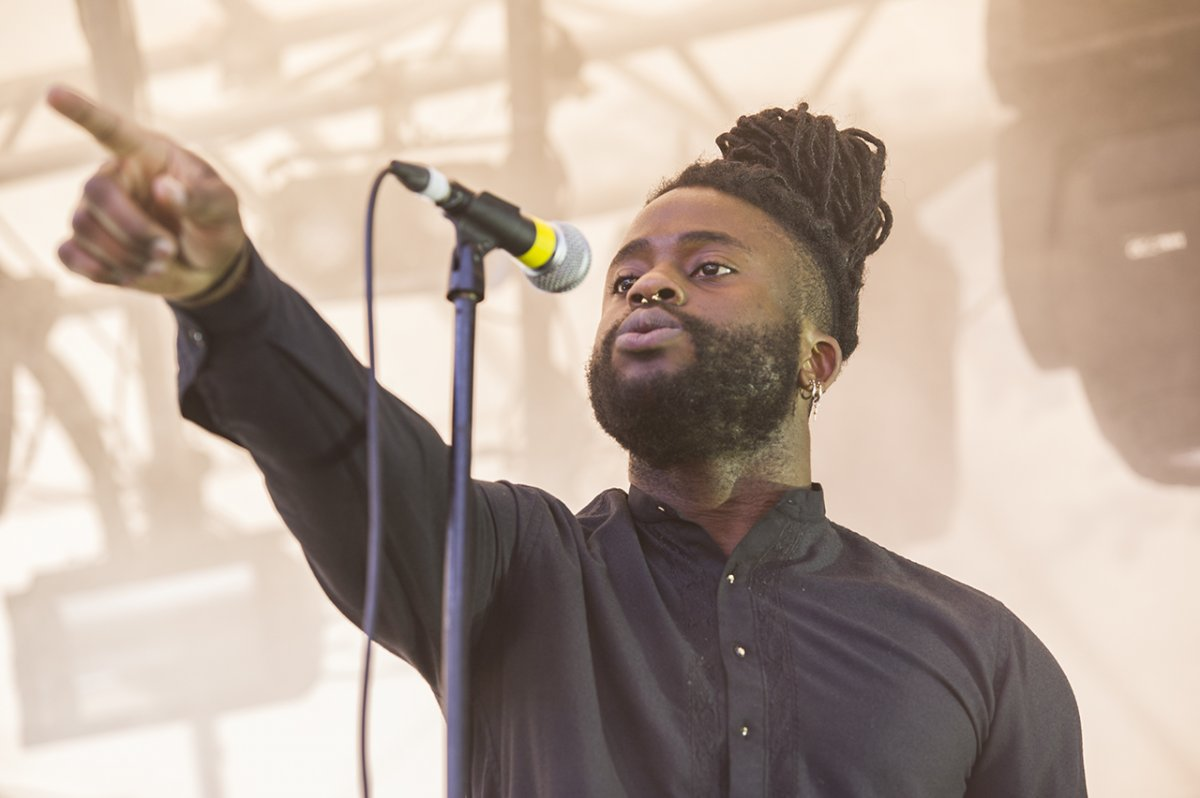 03YoungFathers02