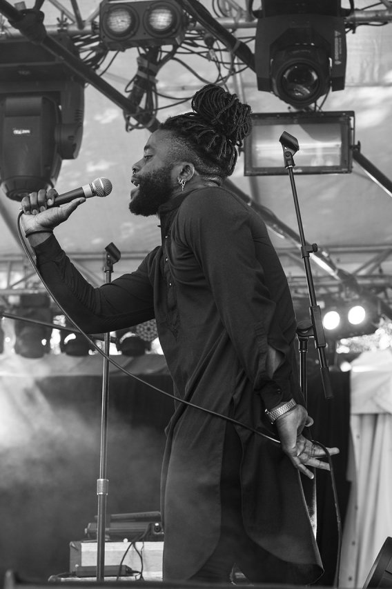 03YoungFathers09