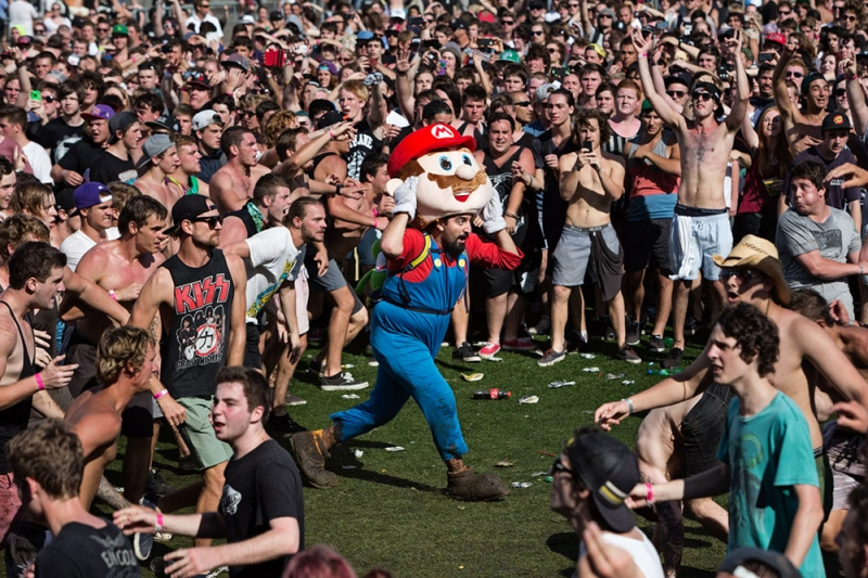 Mario Makes An Appearance Soundwave 2013