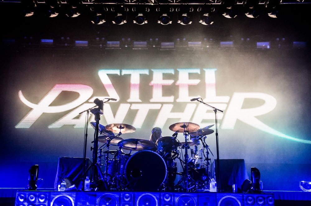 Steel-Panther-12