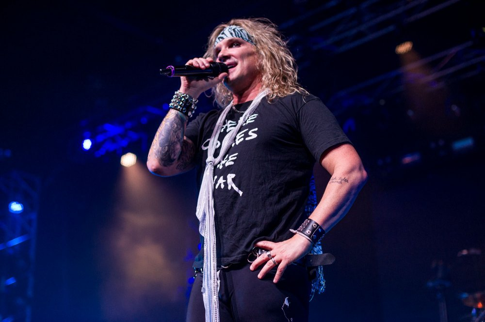 Steel-Panther-7