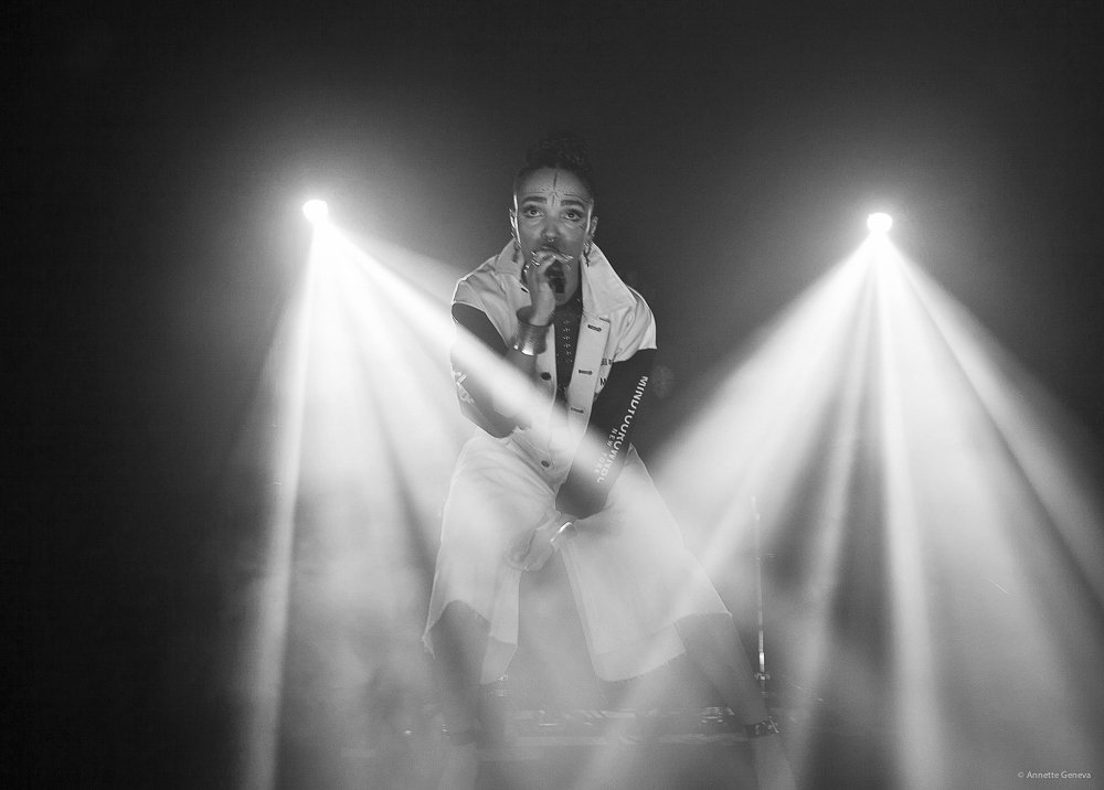 FKA-TWIGS-at-the-Metro-by-Annette-Geneva-14