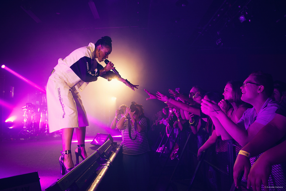 FKA-TWIGS-at-the-Metro-by-Annette-Geneva-27