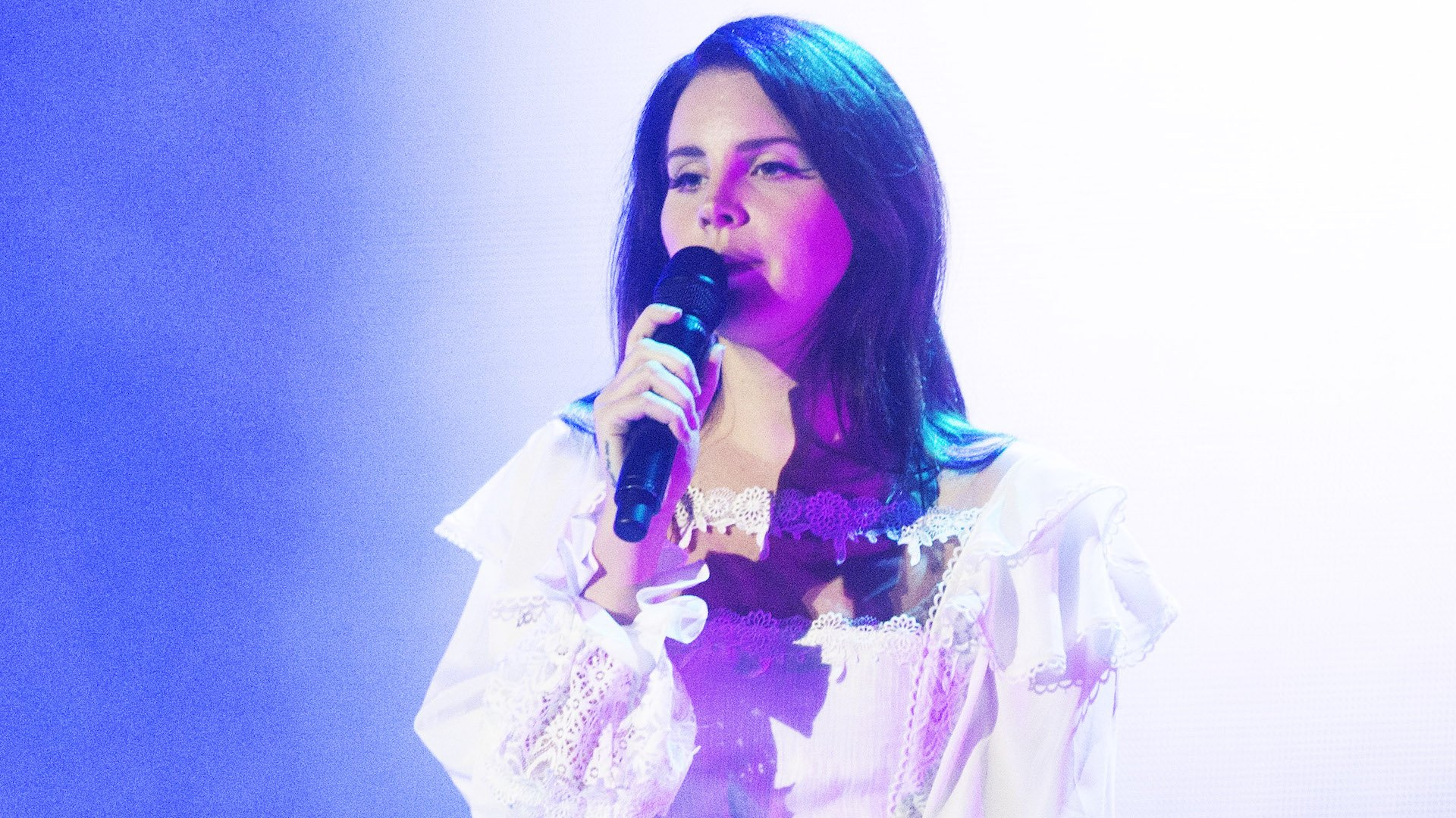 Lana Del Rey Just Scored Pitchfork S Highest Album Rating In Five Years Music Feeds